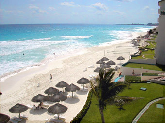 Cancun Royal Mayan beach