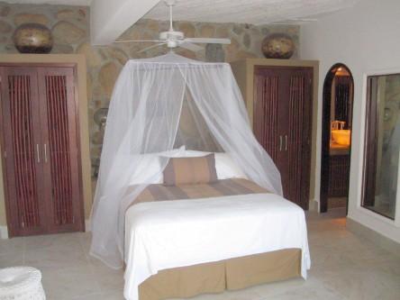 New Ocho Cascadas Villa 4 guest bedroom closet