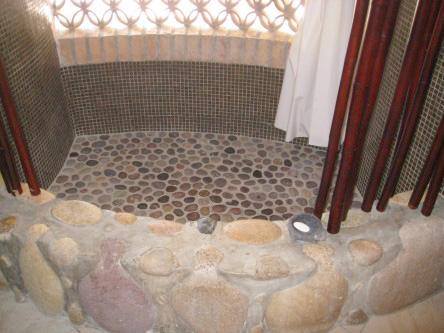 New Ocho Cascadas Villa 4 bathroom shower pebble floor