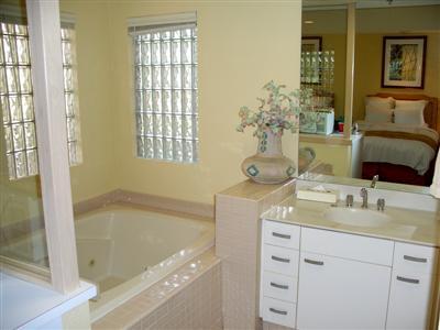 Marriott Desert Springs Villas Lockout jacuzzi tub