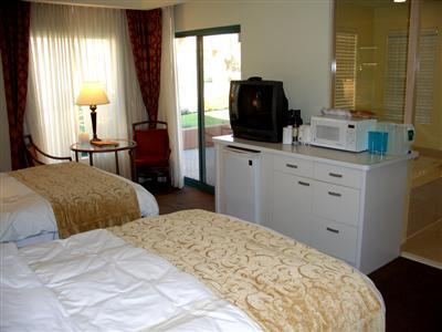 Marriott Desert Springs Villas Lockout kitchenette