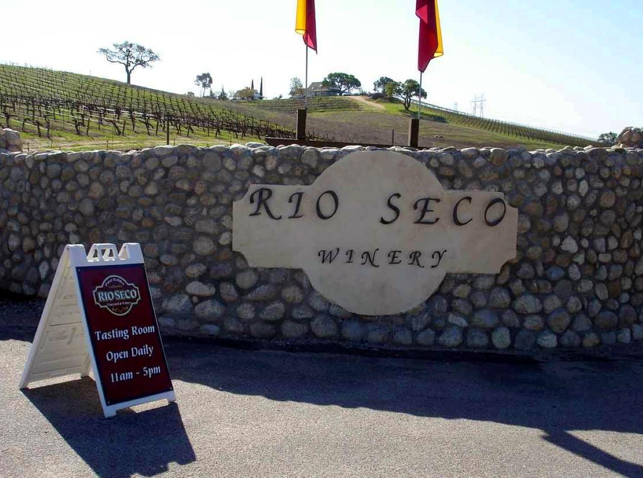 Rio Seco Winery sign
